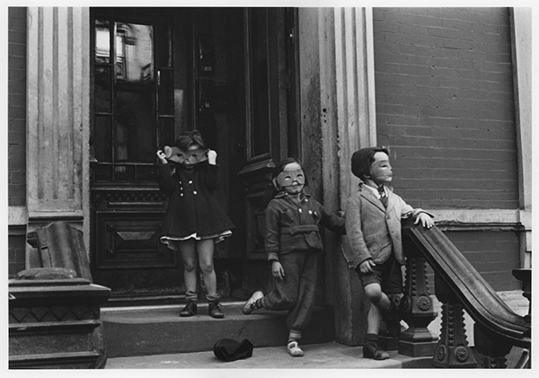Helen Levitt New York City 1940 Helen Levitt Film Documents LLC