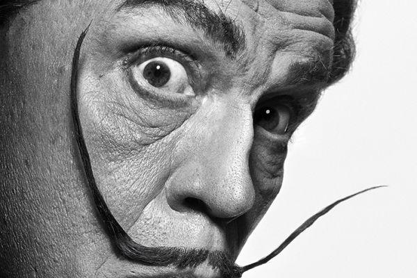 John Malkovich als Salvador Dalí (nach Philippe Halsmann, 1954) © Sandro Miller, 2014 / Mit freundlicher Genehmigung der Catherine Edelman Gallery, Chicago